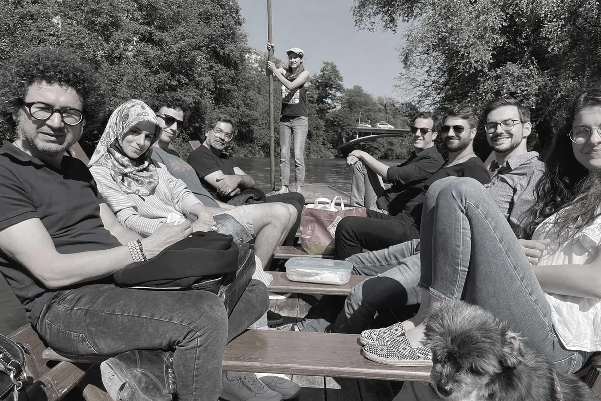 Bürosommerfest mit Stocherkahnfahrt auf dem Neckar ({project_images:field_row_count})