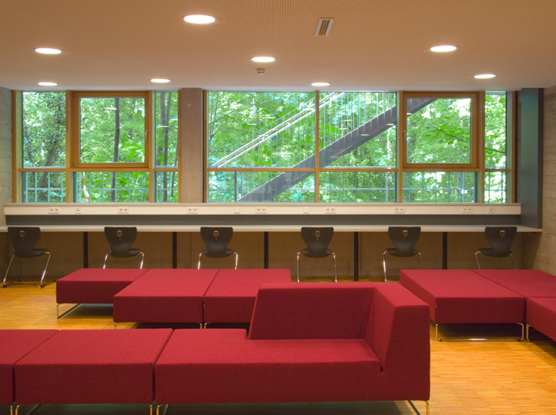 Mensa mit Bibliothek und Aula Uhlandstraße (13)