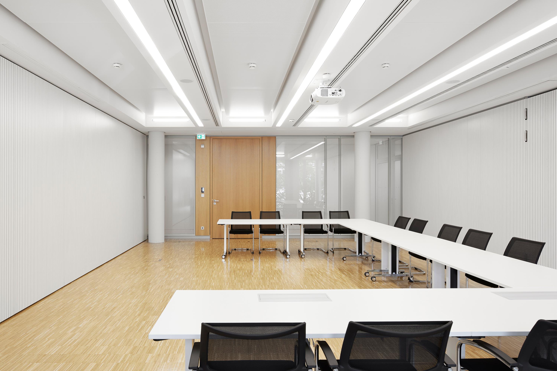 Verwaltungs- und Infrastrukturgebäude (13)