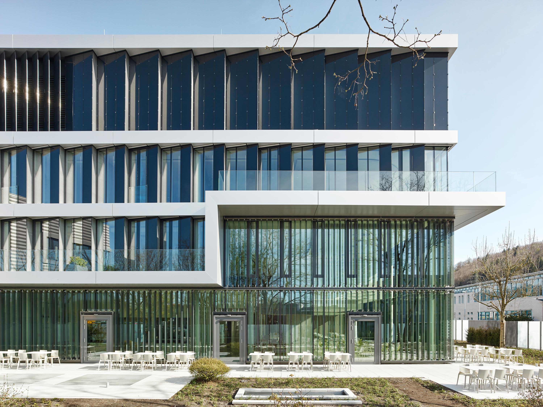 Verwaltungs- und Infrastrukturgebäude (4)