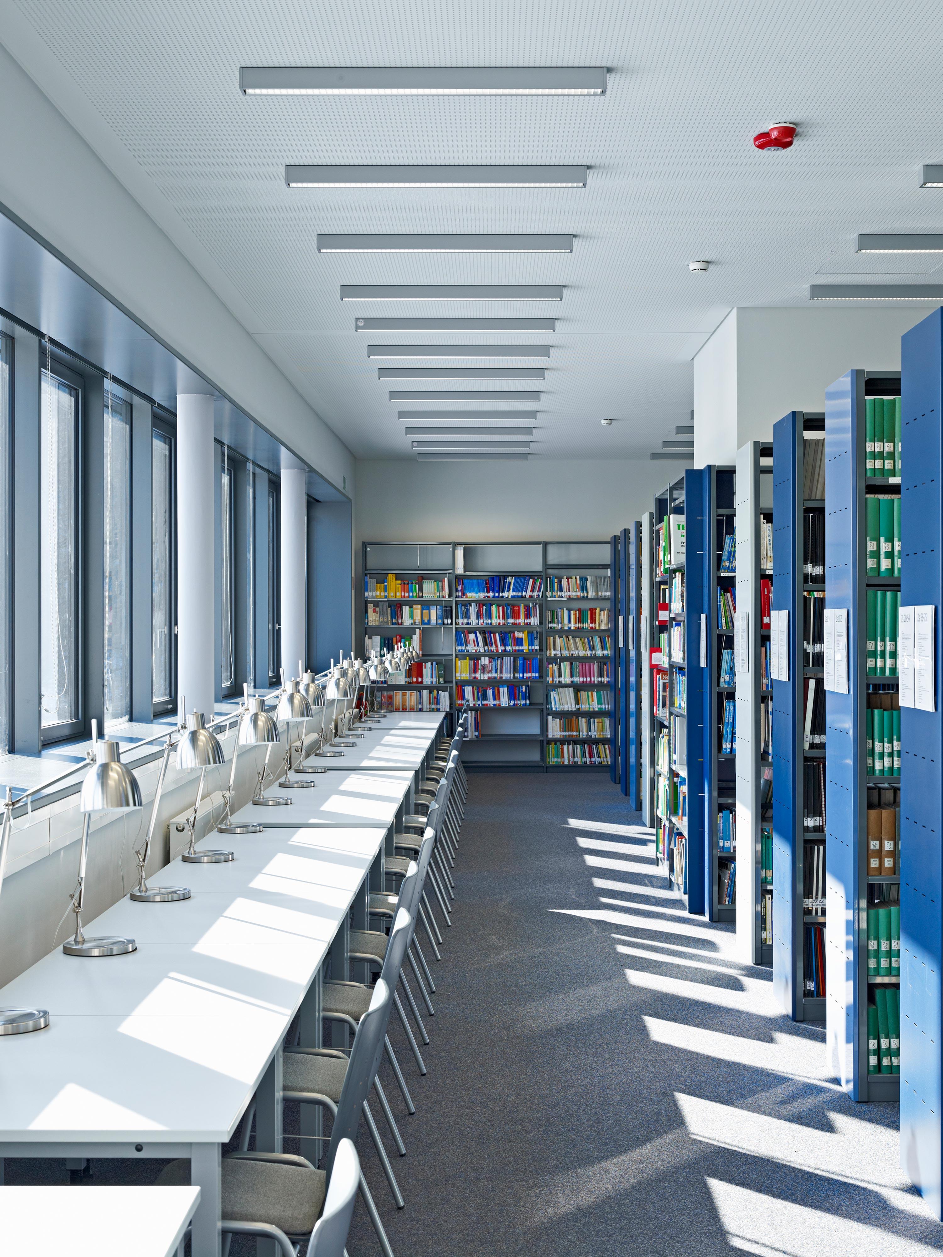 Institutsbibliothek für Sportwissenschaften (6)