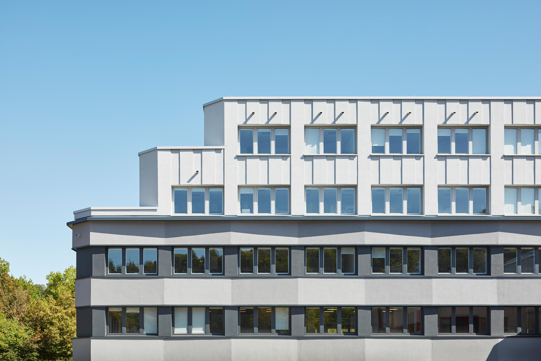 Fassadensanierung und Eingangsbaukörper Büro- und Verwaltungsgebäude (2)