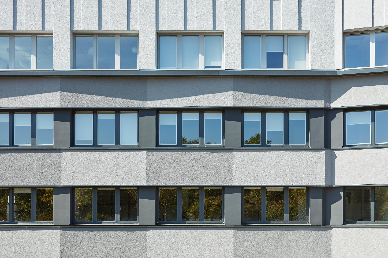 Fassadensanierung und Eingangsbaukörper Büro- und Verwaltungsgebäude (4)