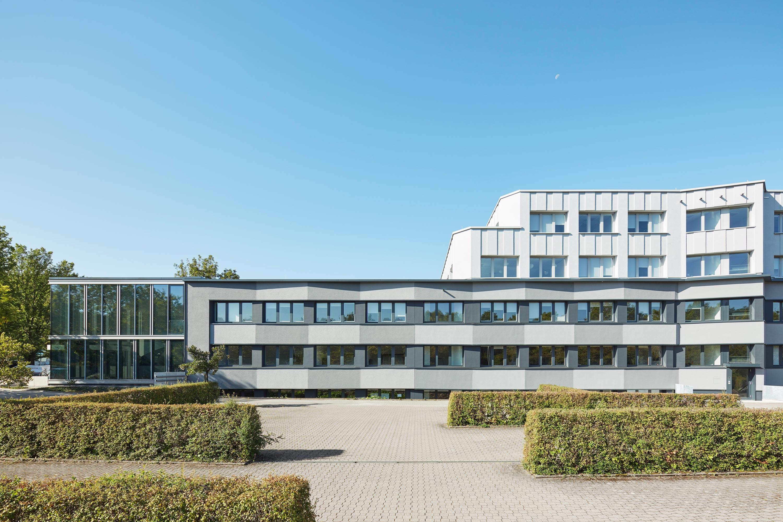 Fassadensanierung und Eingangsbaukörper Büro- und Verwaltungsgebäude (6)
