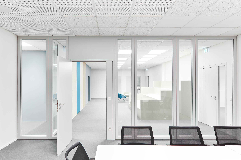 Fassadensanierung und Eingangsbaukörper Büro- und Verwaltungsgebäude (13)