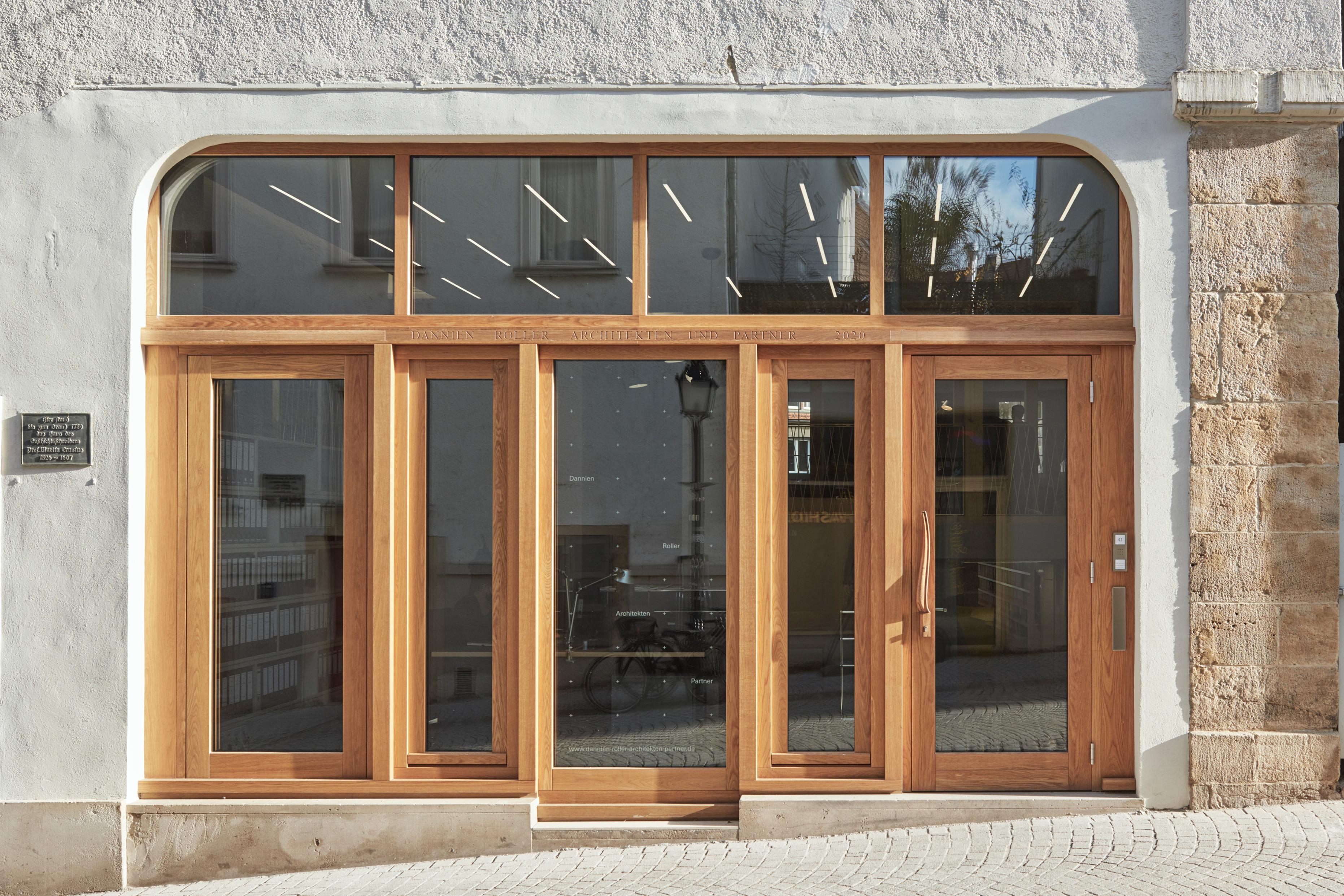 Umbau und Anbau Wohn- und Geschäftshaus (2)