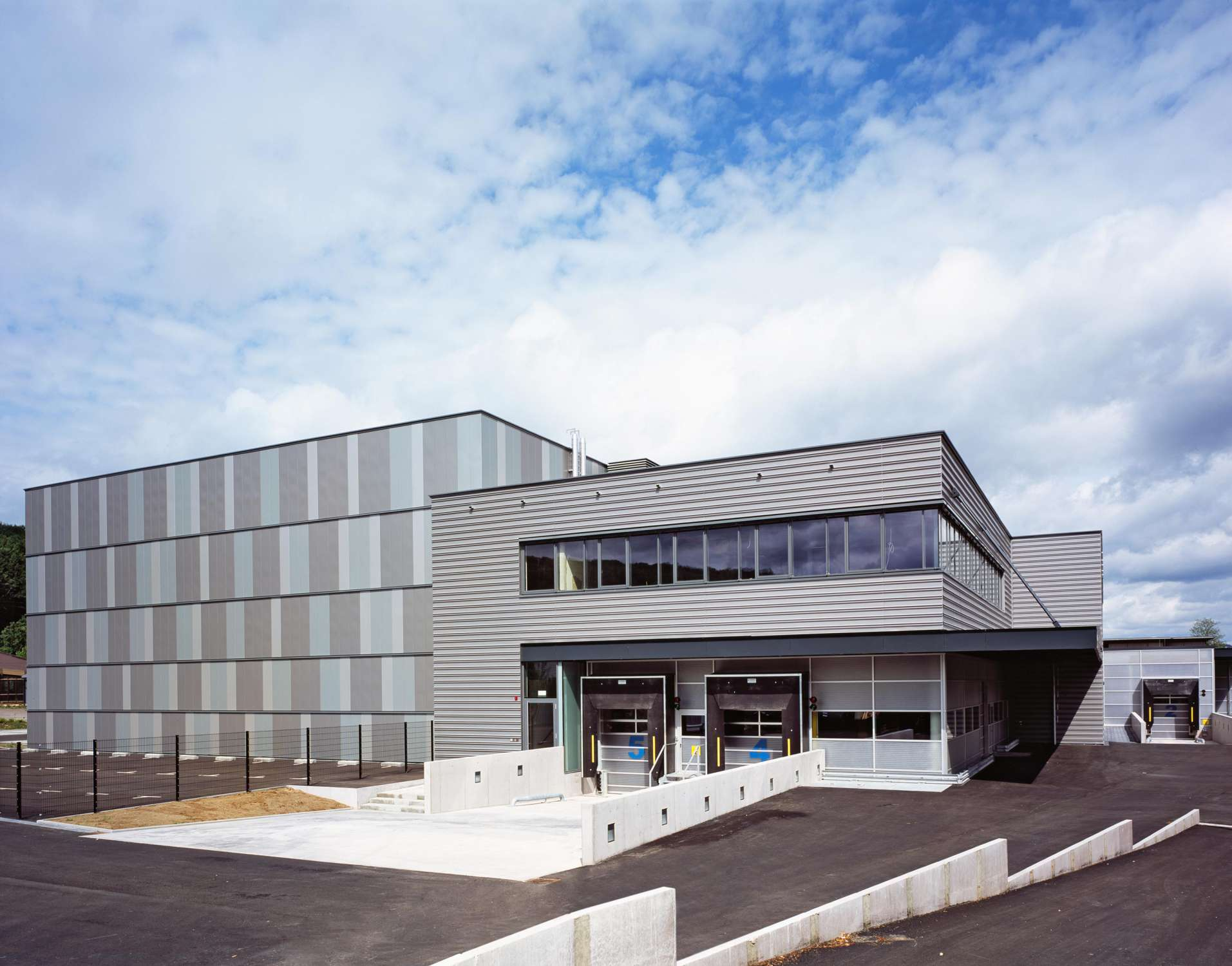Neubau Logistikzentrum mit Großraumbüro (3)