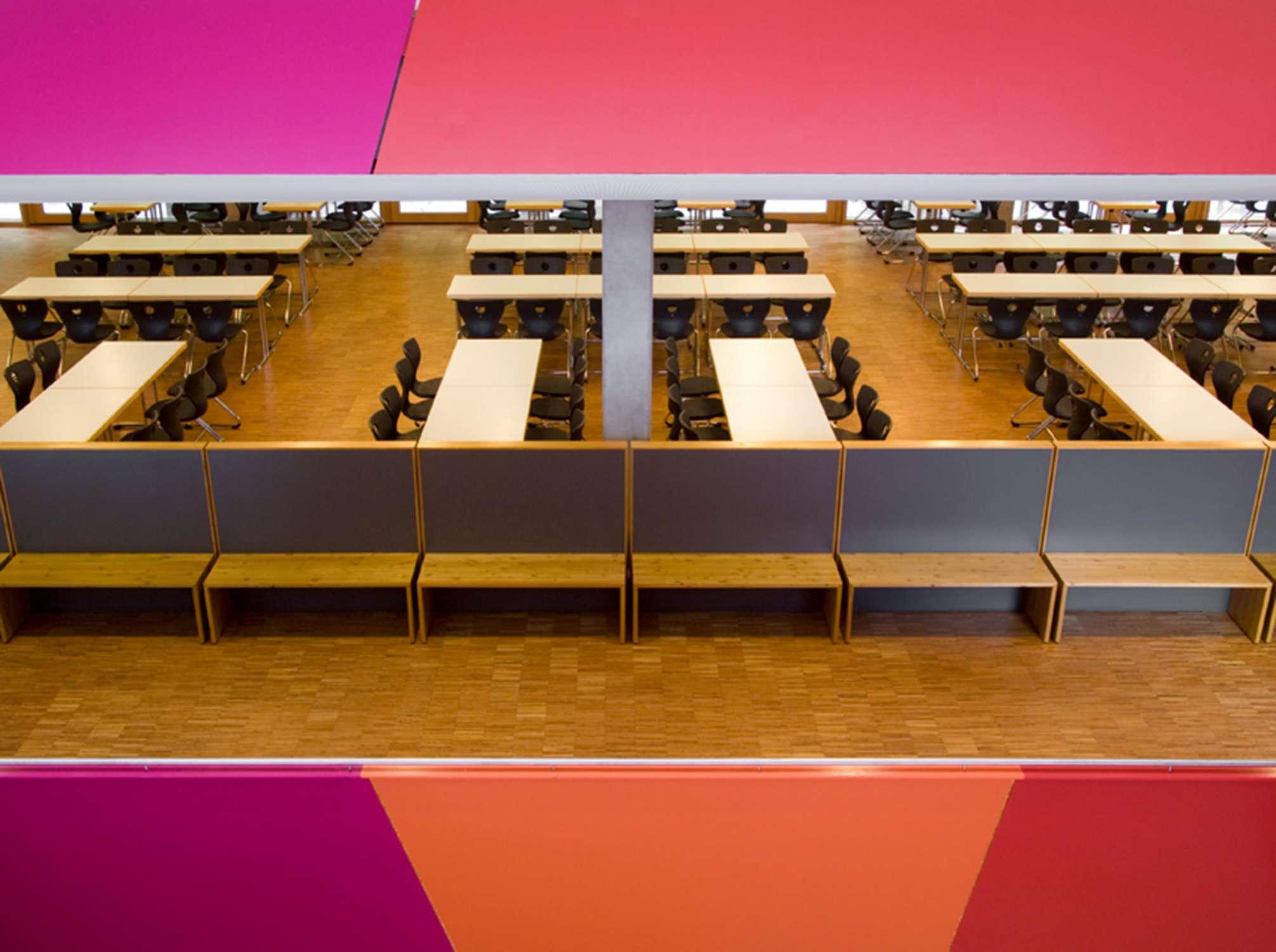 Mensa mit Bibliothek und Aula Uhlandstraße (4)