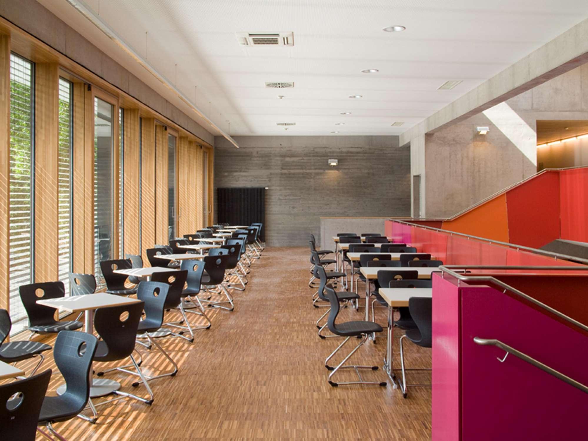 Mensa mit Bibliothek und Aula Uhlandstraße (6)