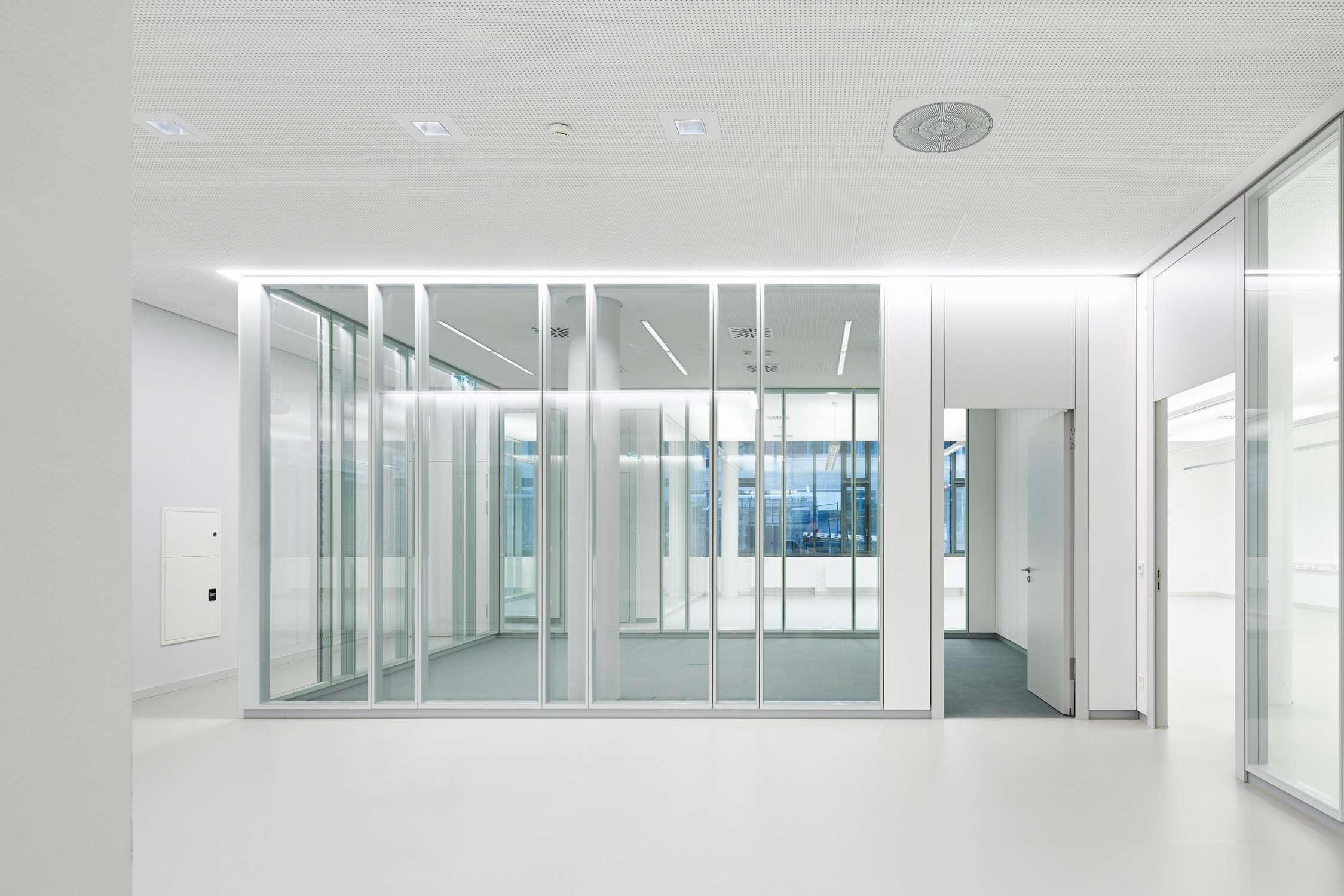 Büro- und Verwaltungsgebäude (11)