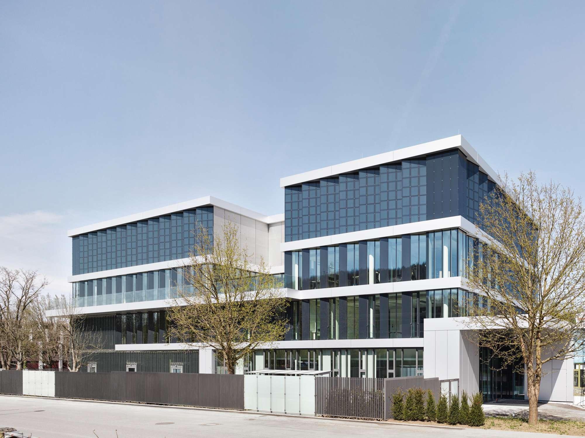 Verwaltungs- und Infrastrukturgebäude (2)