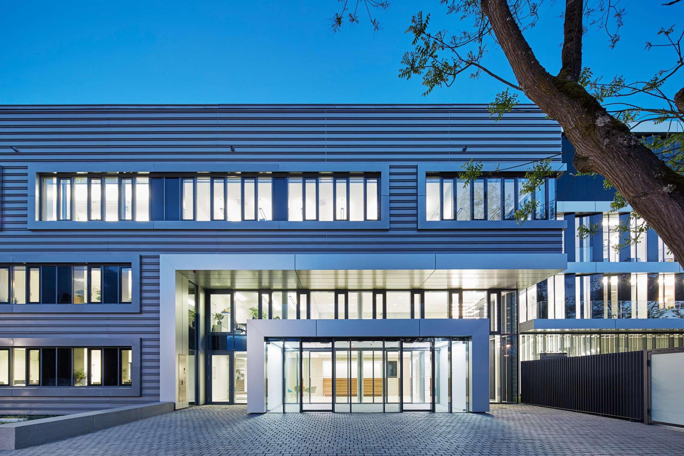 Verwaltungs- und Infrastrukturgebäude (5)