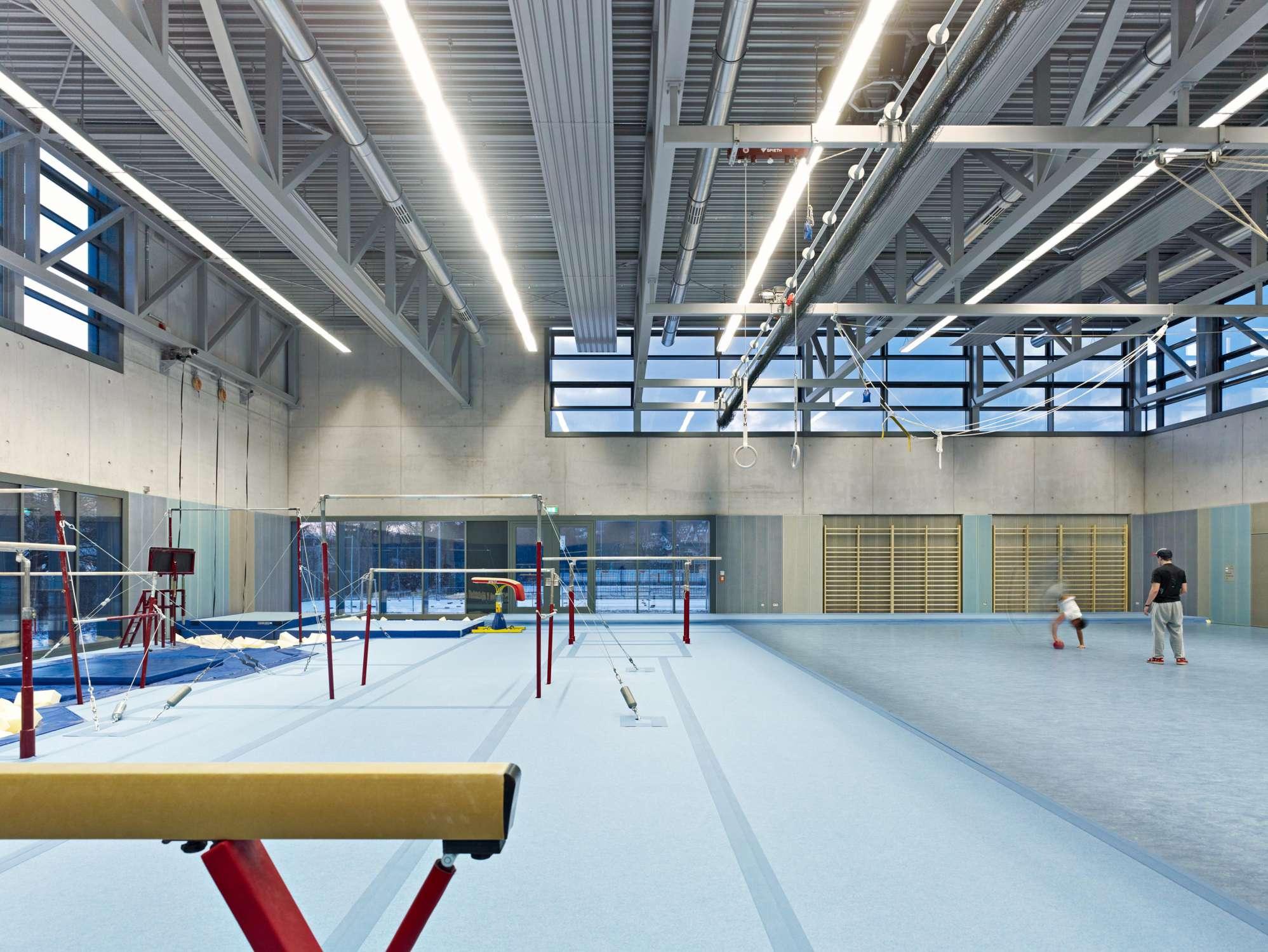 Universitätsturnhalle für Kunstturnen (2)