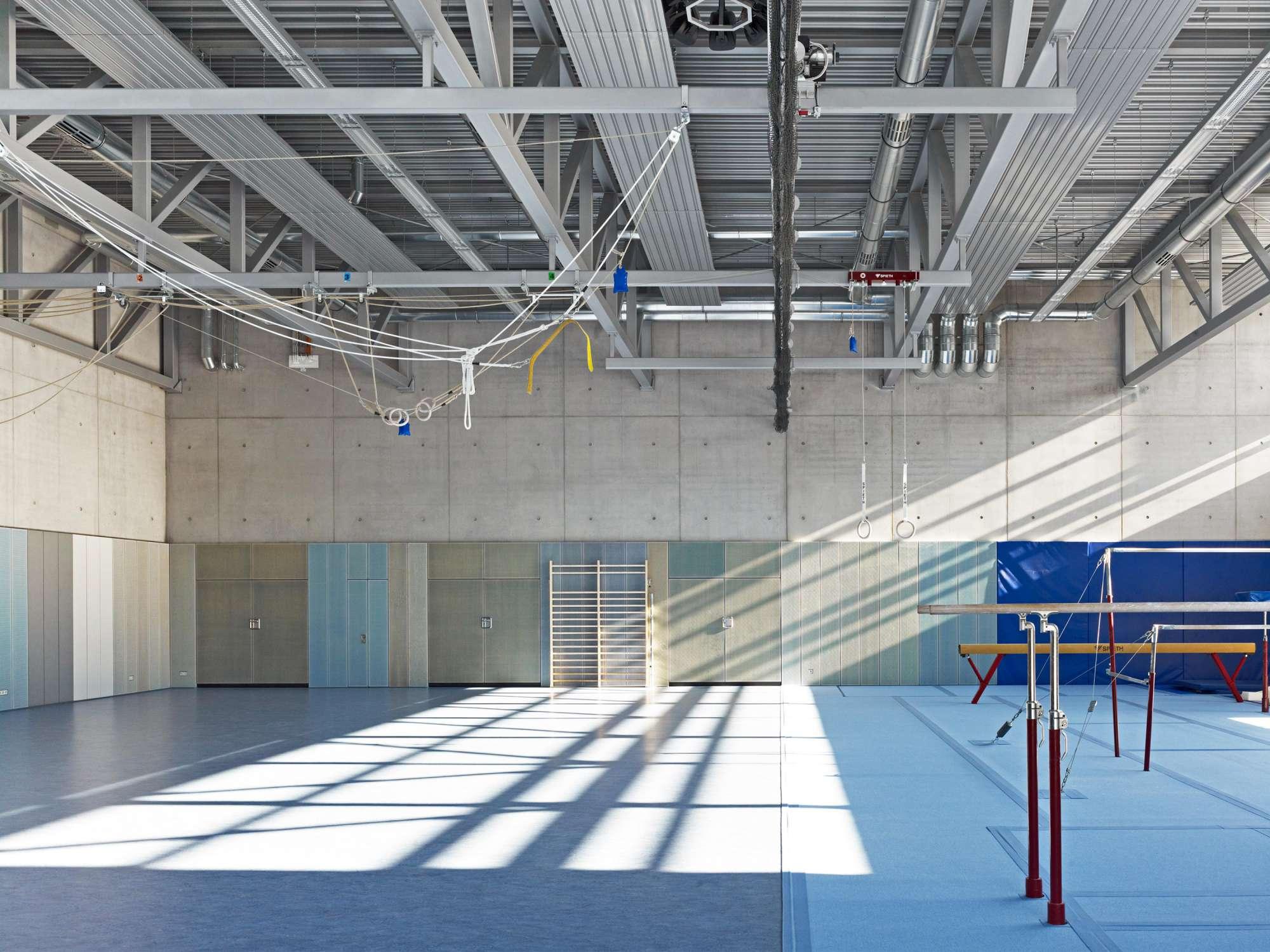 Universitätsturnhalle für Kunstturnen (7)