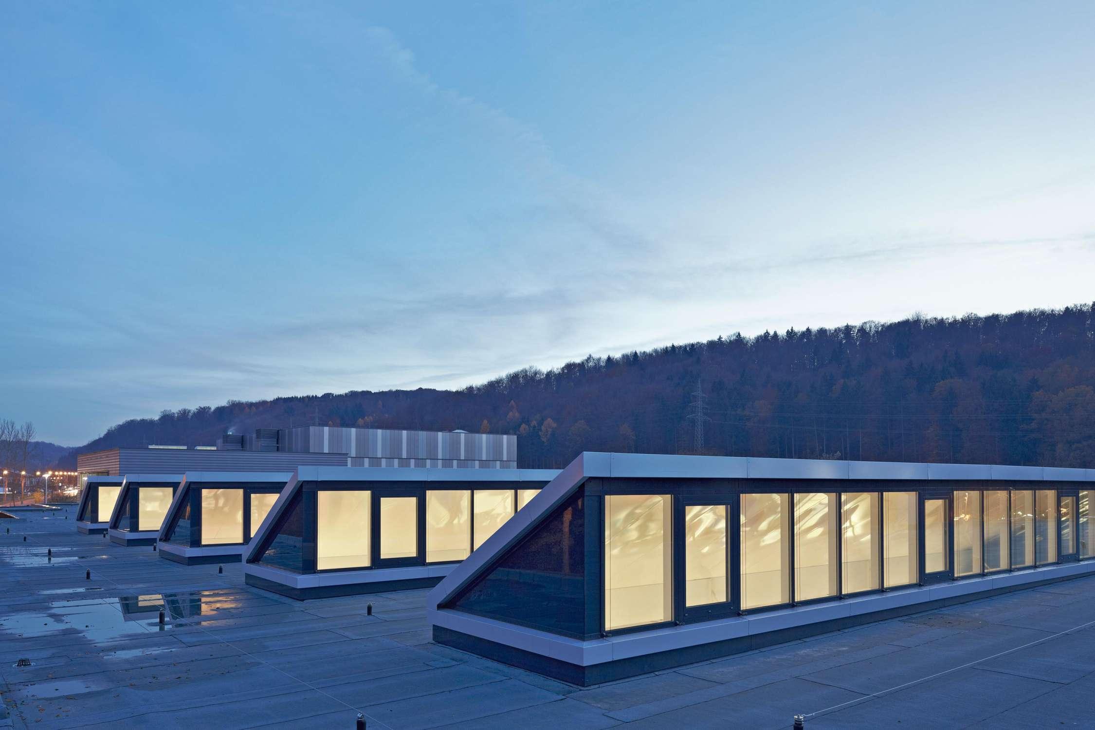 Energetische Dachsanierung Produktionsstätte (1)