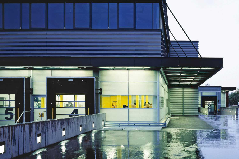 Neubau Logistikzentrum mit Großraumbüro